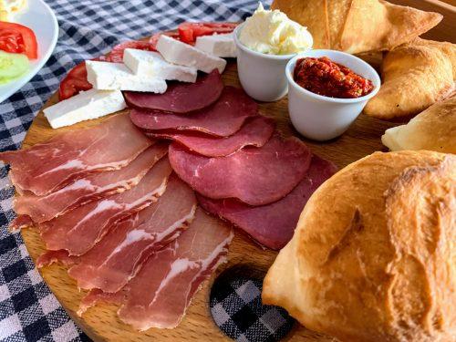 Zlatiborski doručak u Korčaginu
