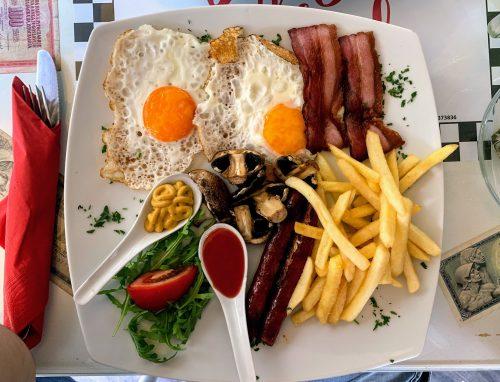 Lepo pripremljen i ukusan engleski doručak